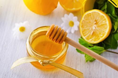 mẹo trị hôi miệng với mật ong