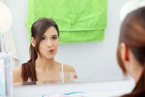 cách sử dụng nước súc miệng đúng