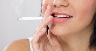 Hút thuốc lá có làm cho răng implant bị ố vàng không