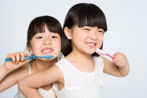 Nuốt kem đánh răng thường xuyên có vấn đề gì không-2