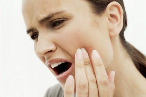 Tại sao đánh răng thường xuyên mà vân bị sâu răng-1