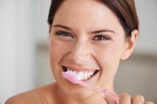 sâu răng có tự khỏi được không 3