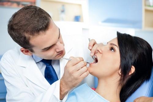 Lấy cao răng bao nhiêu tiền 3