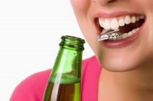 Một số thói quen có thể ảnh hưởng xấu đến răng của bạn