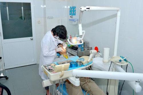 Bác sĩ giàu kinh nghiệm trong điều trị các bệnh lý về răng miệng. Ảnh minh họa