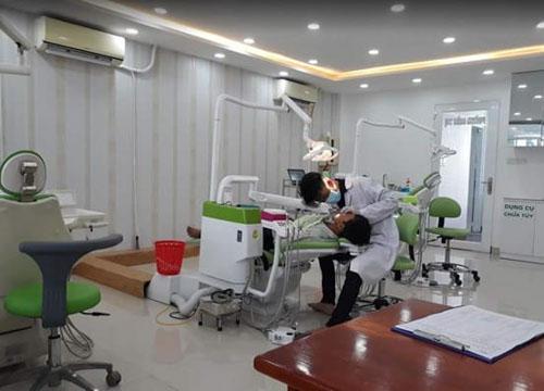 Đội ngũ bác sĩ tại nha khoa Long Thới đều được đào tạo chuyên sâu về răng hàm mặt