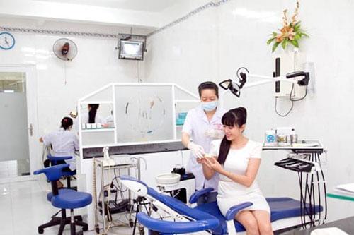 Tay nghề của bác sĩ tại nha khoa Bảo Châu luôn được người bệnh tin cậy. Ảnh minh họa