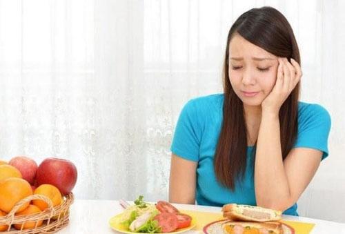 Ăn uống không khoa học khi niềng răng có thể gây sụt cân, hóp má