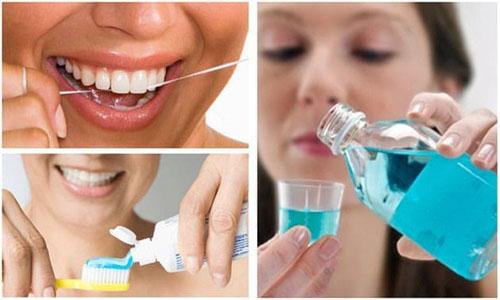 Chú ý vệ sinh răng sạch sẽ mỗi ngày