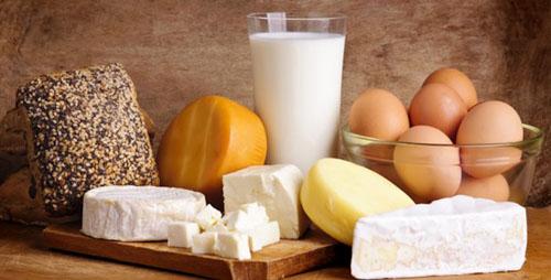 Khi niềng răng có thể bổ sung các thực phẩm làm từ trứng, sữa