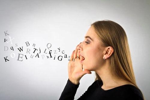 Răng hô có thể gây trở ngại trong việc phát âm