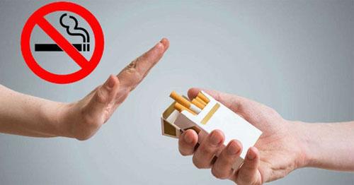 Tránh hút thuốc lá khi niềng răng