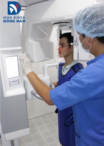 Bệnh nhân sẽ được chụp x-quang trước khi niềng răng