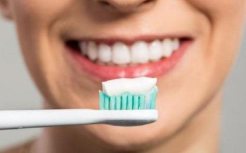 Chăm sóc răng đã bọc sứ đúng cách