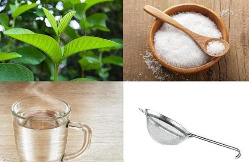 Kết hợp nước lá bàng non và muối tinh