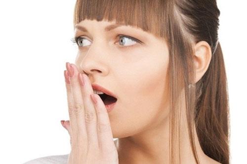 Tiềm ẩn bệnh lý gây hôi miệng sau nhổ răng
