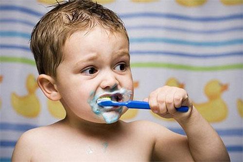 Trẻ em lười chải răng