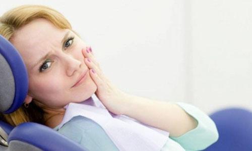 Bọc răng sứ có đau không tùy thuộc nhiều yếu tố