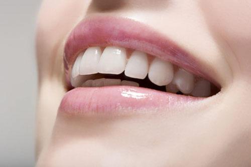 Bọc răng sứ mang lại nhiều ưu điểm
