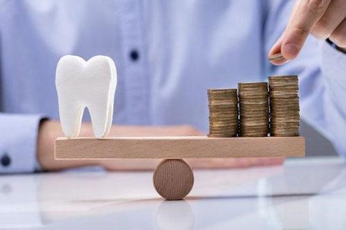 Chi phí bọc răng sứ Cercon HT tại nha khoa uy tín