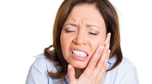 Nguyên nhân gây sưng mặt sau khi nhổ răng khôn